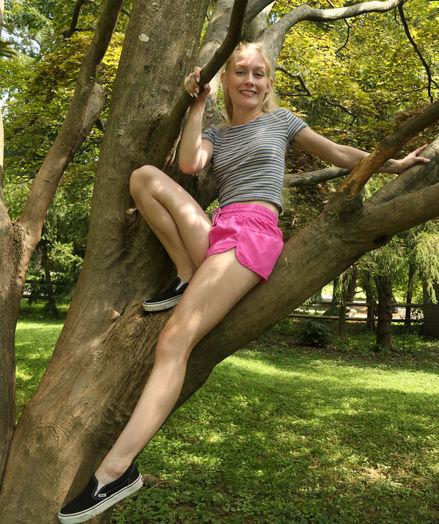 FREE CLIMB with Emma Starletto