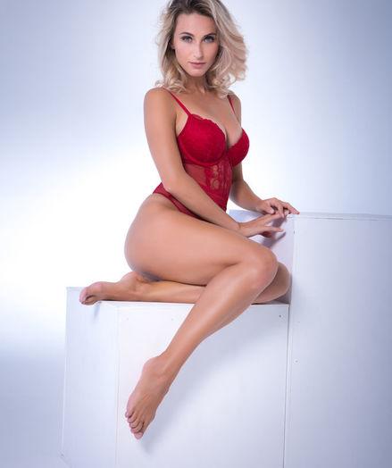 Cara Mell naked in erotic SIMPLY ELEGANT gallery - MetArt.com
