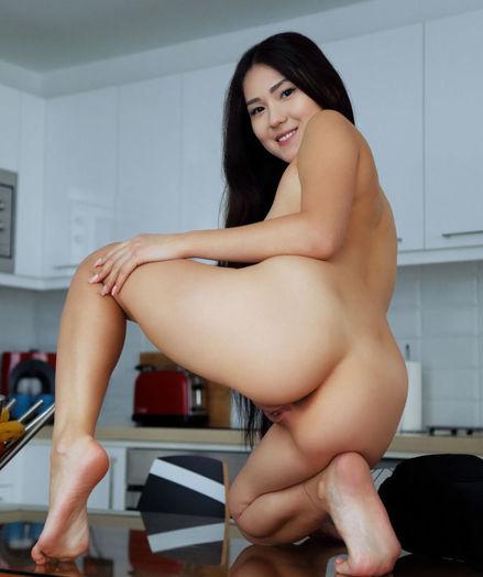 Kimiko nude in erotic AROUND THE HOUSE gallery