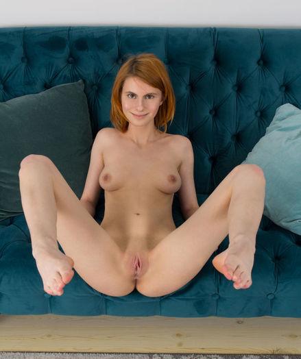 Glamour Beauty - Naturally Beautiful Amateur Nudes