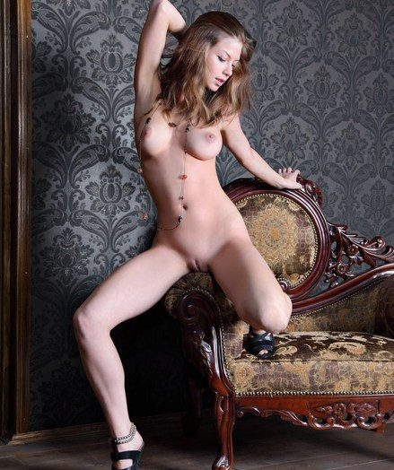 Stylish and refined model fro attractive personality and limber assets.