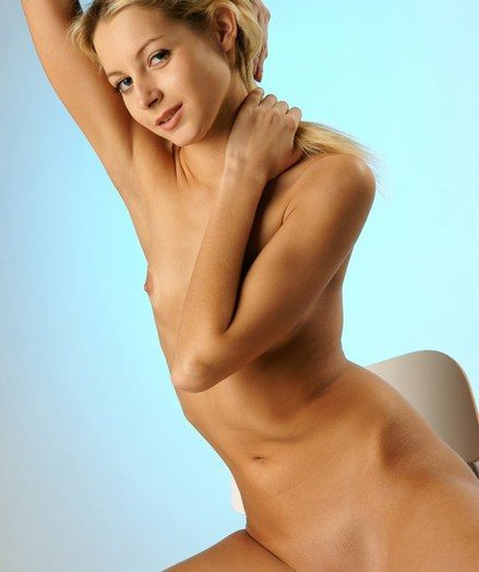 Sensuous and inviting tow-haired with softcore poses and confirm details.