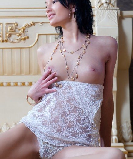 Undoubtedly exquisite jaw-dropping showcase be beneficial to Loreen's cream-skinned never-never land in milky lace.