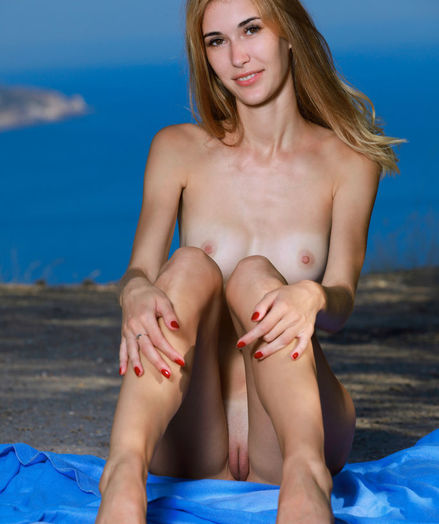 Aileen nude in erotic Rosy Nymph gallery