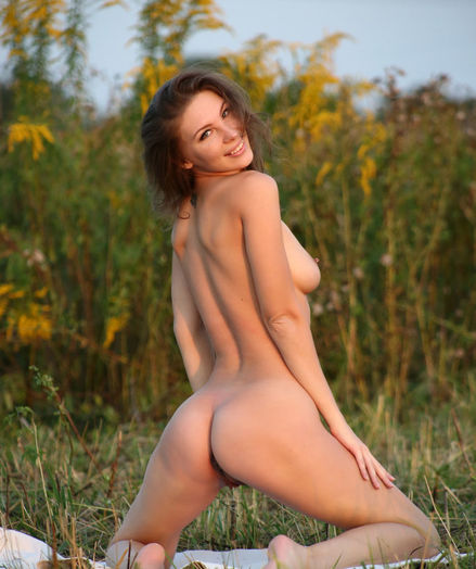 Glamour Hotty - Naturally Cool Amateur Nudes