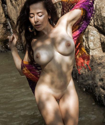 Naturally Beautiful Fledgling Nudes