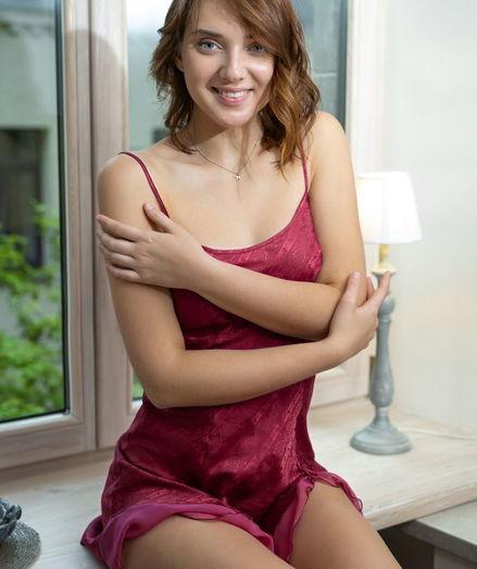 Oxana Chic nude in erotic ADMIRE MYSELF gallery - MetArt.com