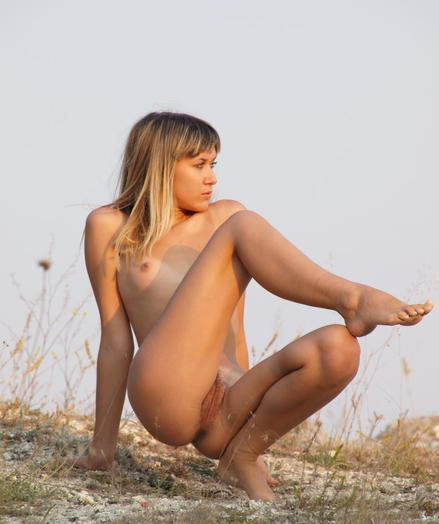 Despondent Loveliness - To be sure ' Uber-sexy Amateurish Nudes