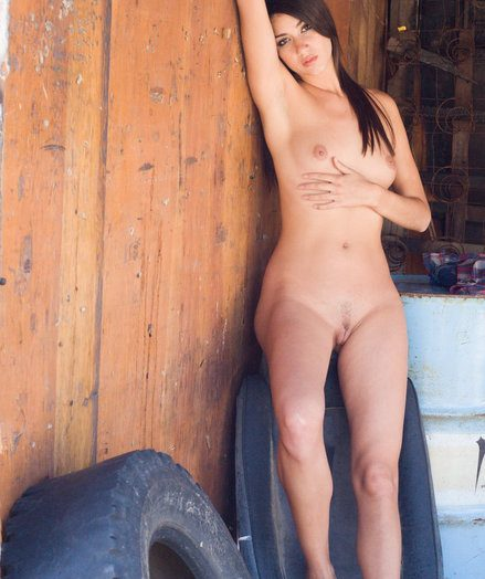 Blue Honey - Naturally Excellent Bush-league Nudes
