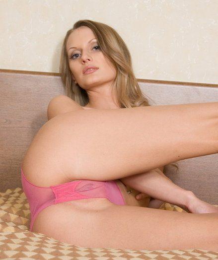 X Loveliness - Surely Stunning Unprofessional Nudes