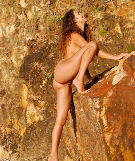 Dispirited Loveliness - Naturally Cute Amateurish Nudes