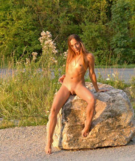 Erotic Cutie - Naturally Sumptuous Amateur Nudes