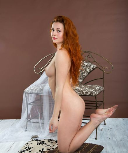 Glamour Bombshell - Naturally Mind-blowing Fledgling Nudes